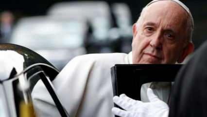 Papa Francis hastaneye kaldırıldı