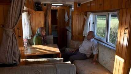 78 yaşındaki Mehmet amca motokaravana dönüştürdüğü minibüsünde eşiyle Türkiye'yi geziyor