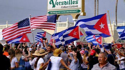 Küba'da ABD bayraklarıyla hükümet protestosu