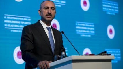 Adalet Bakanı Gül'den sivil anayasa mesajı