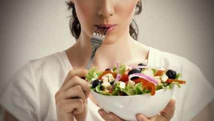 Rüyada yemek yemek ne anlama gelir? Rüyada kalabalıkta yemek yemek...