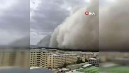 Çin'i kum fırtınası vurdu!