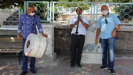 Nevşehir'de bir kişi eşinden boşanmasını davul zurnayla kutladı