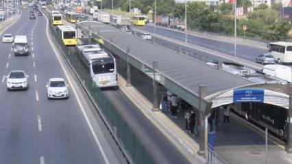 İstanbul'da aşırı sıcak hava yüzünden metrobüs yolundaki asfalt eridi