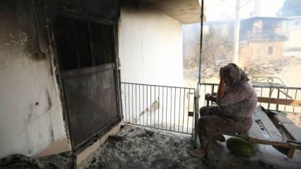 Manavgat'ta kanser hastası kadının tedavi parası yangında kül oldu