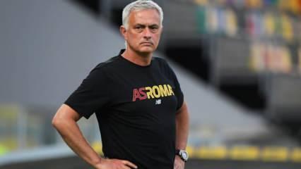 Mourinho bizzat istedi! Özbek golcü Roma ile anlaştı