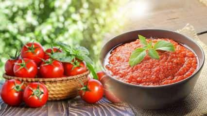 Kışlık domates sosu nasıl yapılır? Evde domates konservesi tarifi...