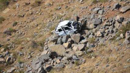 Düğün yolunda feci kaza! Araç şarampole yuvarlandı, anne ve oğlu hayatını kaybetti