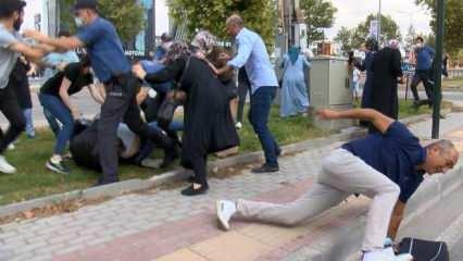 Kaza sonrası keşif sırasında kadın sürücüye saldırdılar, polis biber gazıyla müdahale etti