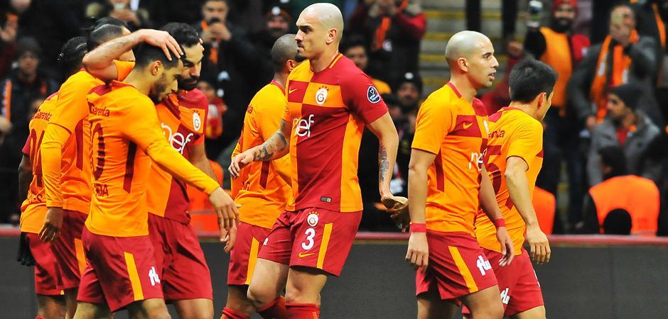 Galatasaray'a şok! 'Temmuz maaşımı verin'
