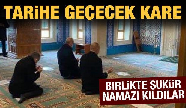 Tarihe geçecek kare: Erdoğan ve Aliyev şükür namazı kıldı