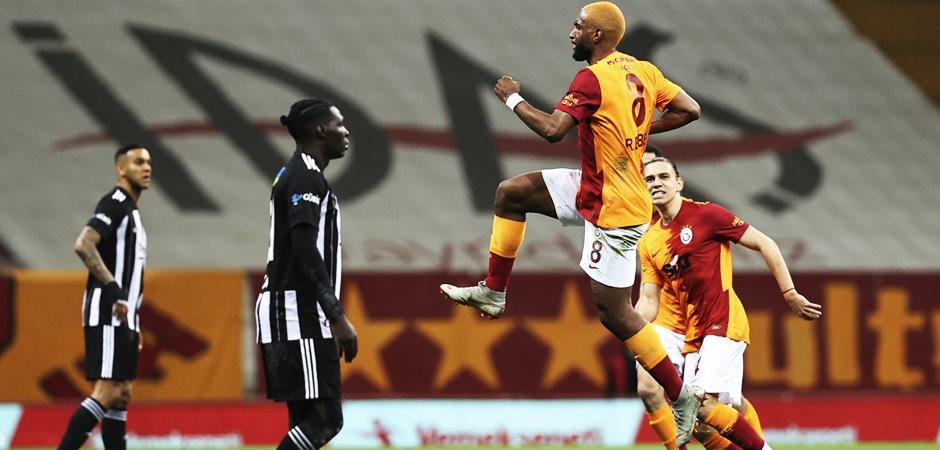 Galatasaray, Beşiktaş'ı devirdi! Zirve hattı karıştı!