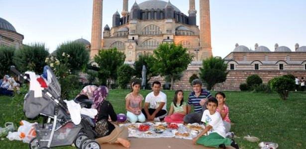 Türkiye'nin dört bir yanında iftar